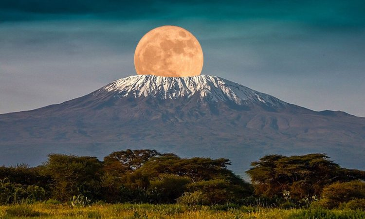 The 3 Natural wonders of Tanzania